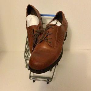 Rockport women's brown oxford walking shoe 8.5